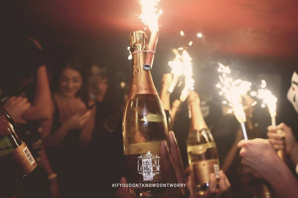 Cirque le Soir Table Booking
